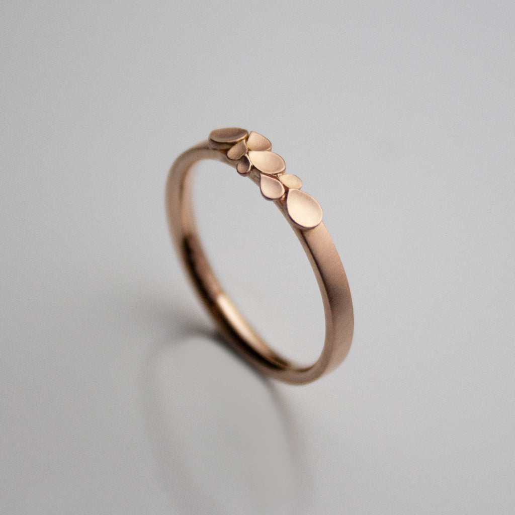 Dahlia 18ct. Rose Gold Gold 2mm D Ring