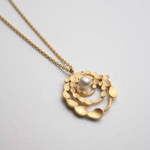 Floral Orbit Silver Gold-plated Necklace with Freshwater Pearl