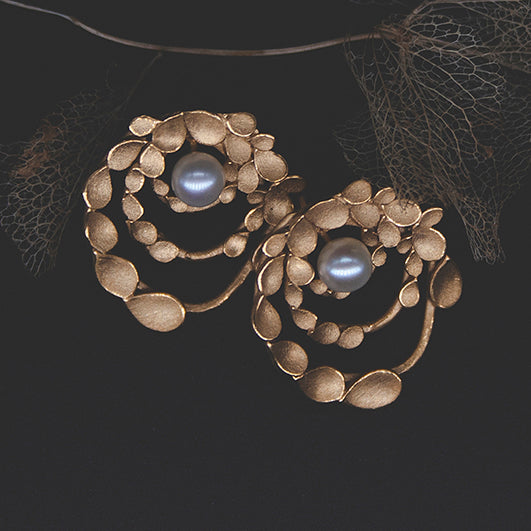 Floral Orbit Gold-plated Earrings with Pearls