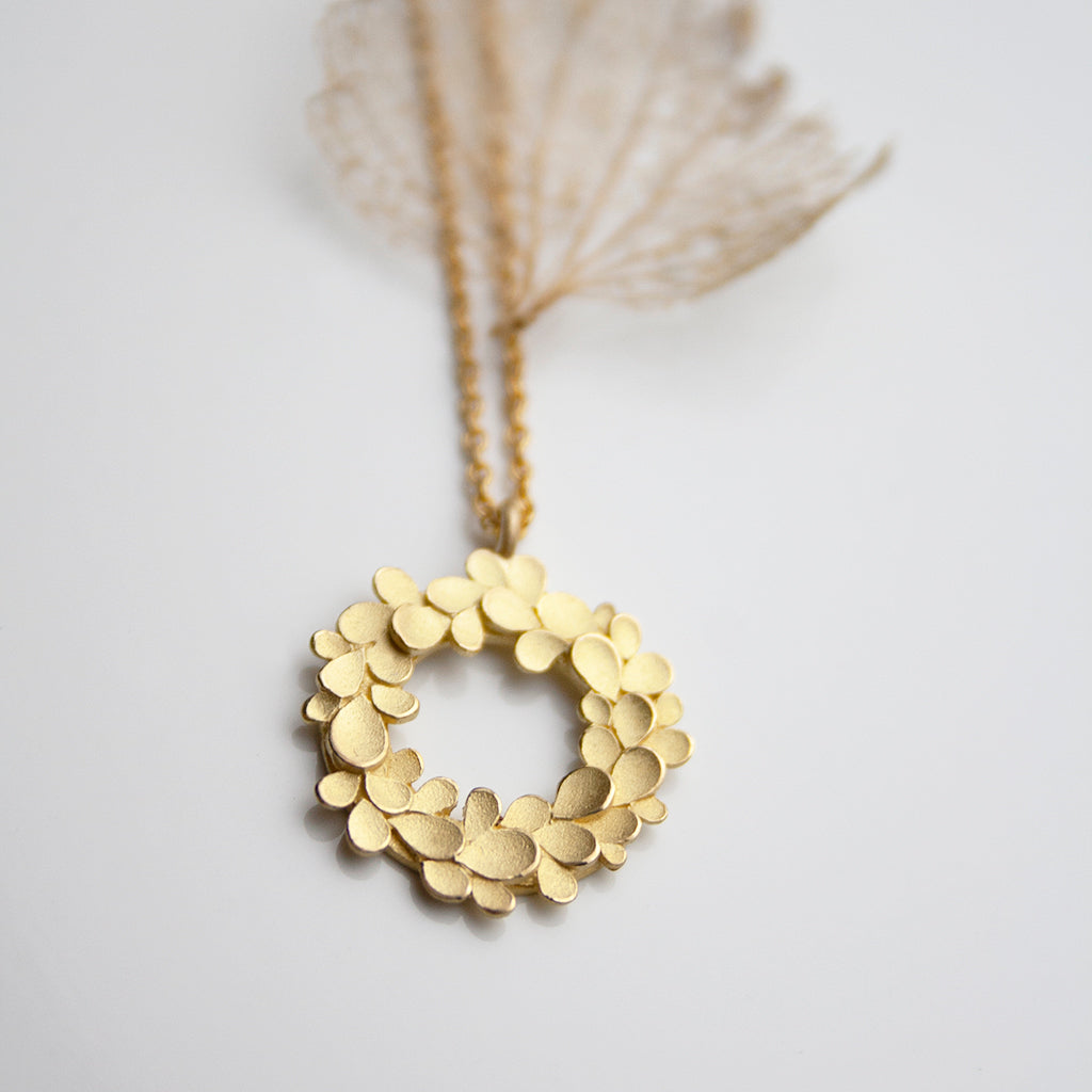 Floral wreath 18ct. Gold Necklace