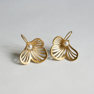 Flourish large 18ct Gold and Freshwater Pearl Earrings