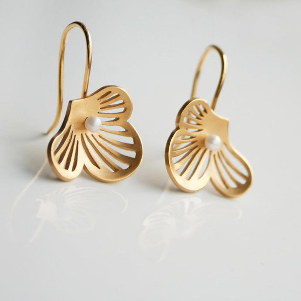 Flourish 18ct Gold and Freshwater Pearl Earrings
