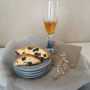 Cantucci figs and walnuts