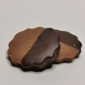 Frosted cocoa shortcrust pastry - Very fine shortcrust pastry biscuit in tray