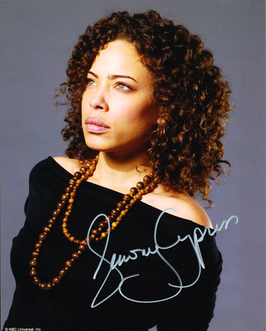 TAWNY CYPRESS as Simone Deveaux - Heroes