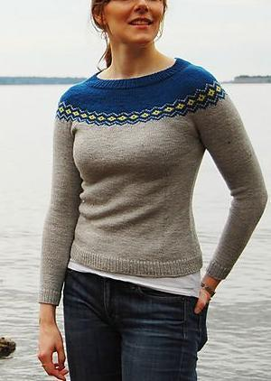 Women's round neck loose pattern sweater