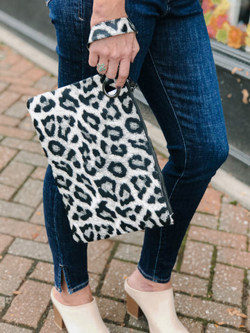 Oversized Clutch-Animal Print