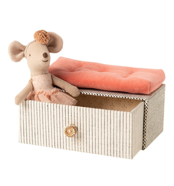 Maileg Little Sister Mouse - Dancing Mouse in Daybed