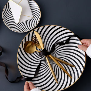 Black and White Hypnosis Plate Set - OYRISS