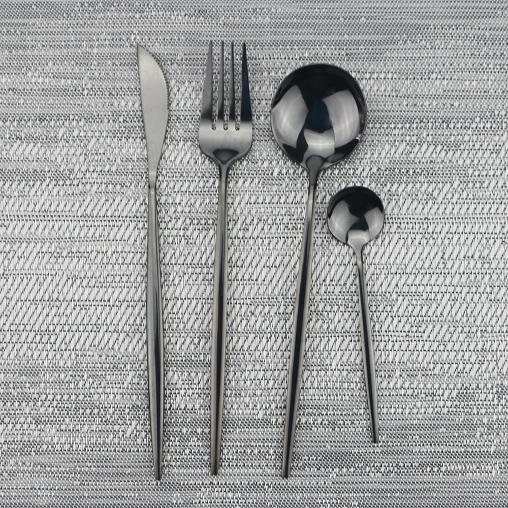 Luxury Black Dinnerware Set - OYRISS