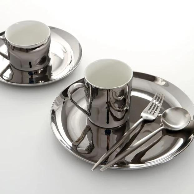 Gold and Silver Tableware - OYRISS