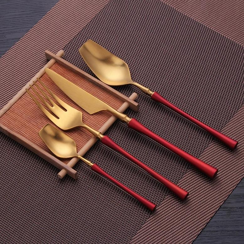 Luxury Red Cutlery Set - OYRISS