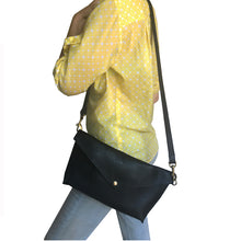 Load image into Gallery viewer, Seam-Out Crossbody - Black