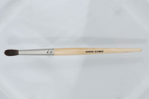 Erwin Gomez Mini Crease Brush