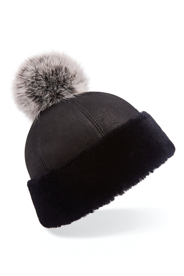 Shearling beanie hat in black