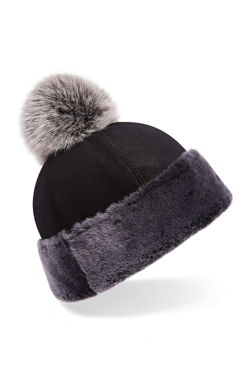 Shearling beanie hat in black/grey