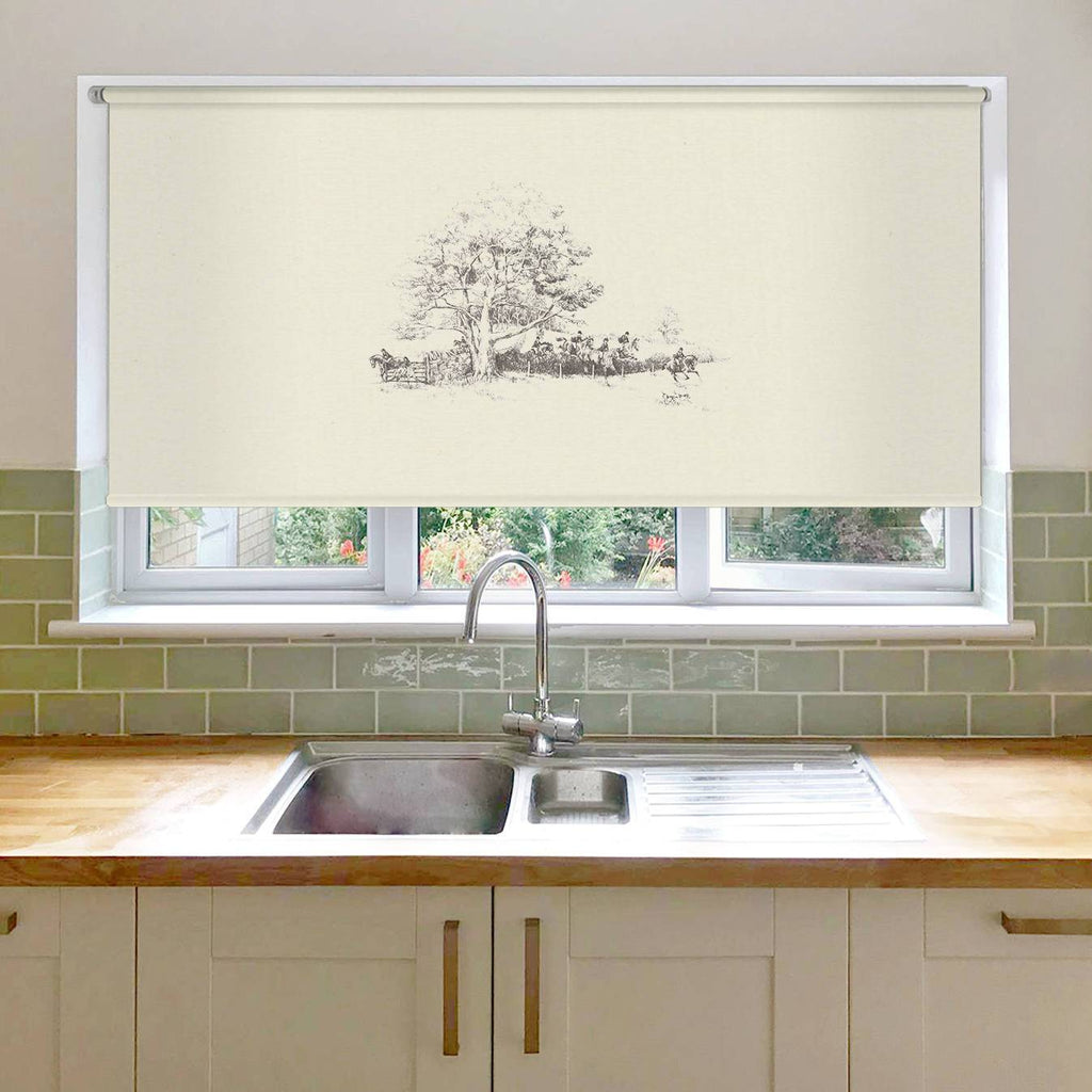 Hunt on the Move Roller Blind