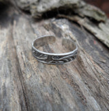 Patterned sterling silver toe ring