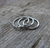 Twisted unisex ring.