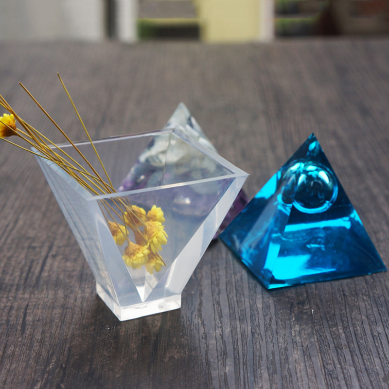 3D Pyramid Mold For DIY Jewelry - infinity actually