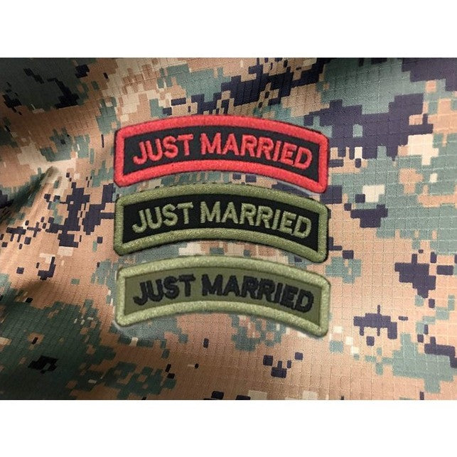 Just Married Curve Tag