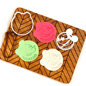 PASSHOLDER Cookie Cutter - Lauren Builds