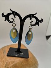 Load image into Gallery viewer, Titanium Scale Earrings