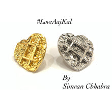 Load image into Gallery viewer, #LoveAajKal Studs
