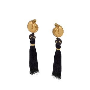 Nutty Shell Tassel Ear Rings