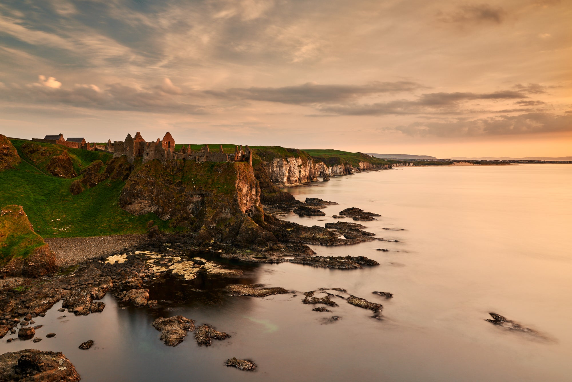 DUNLUCE CASTLE LAST LIGHT