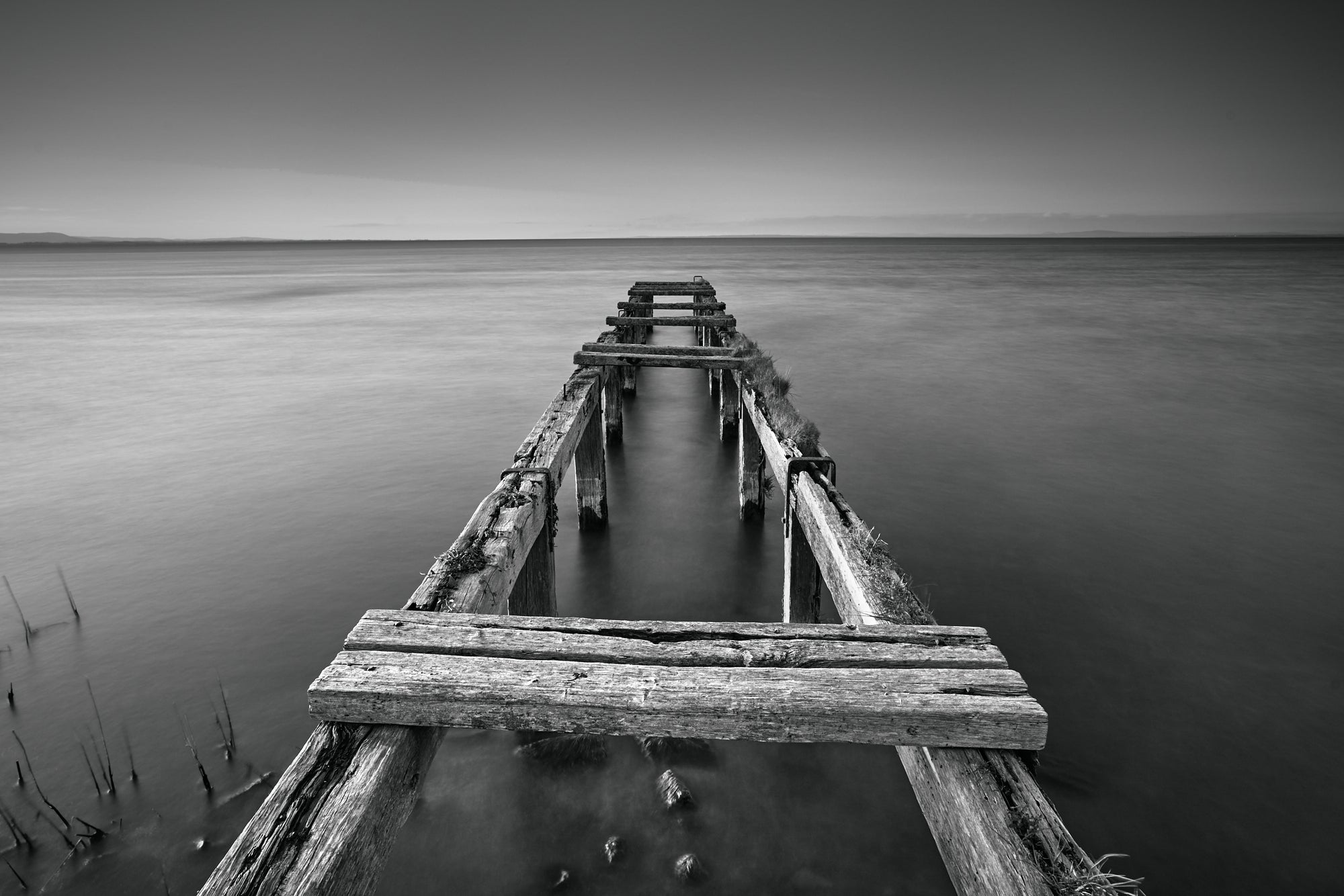 OLD JETTY BLACK & WHITE