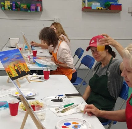 art panting and wine with at anetaartclases