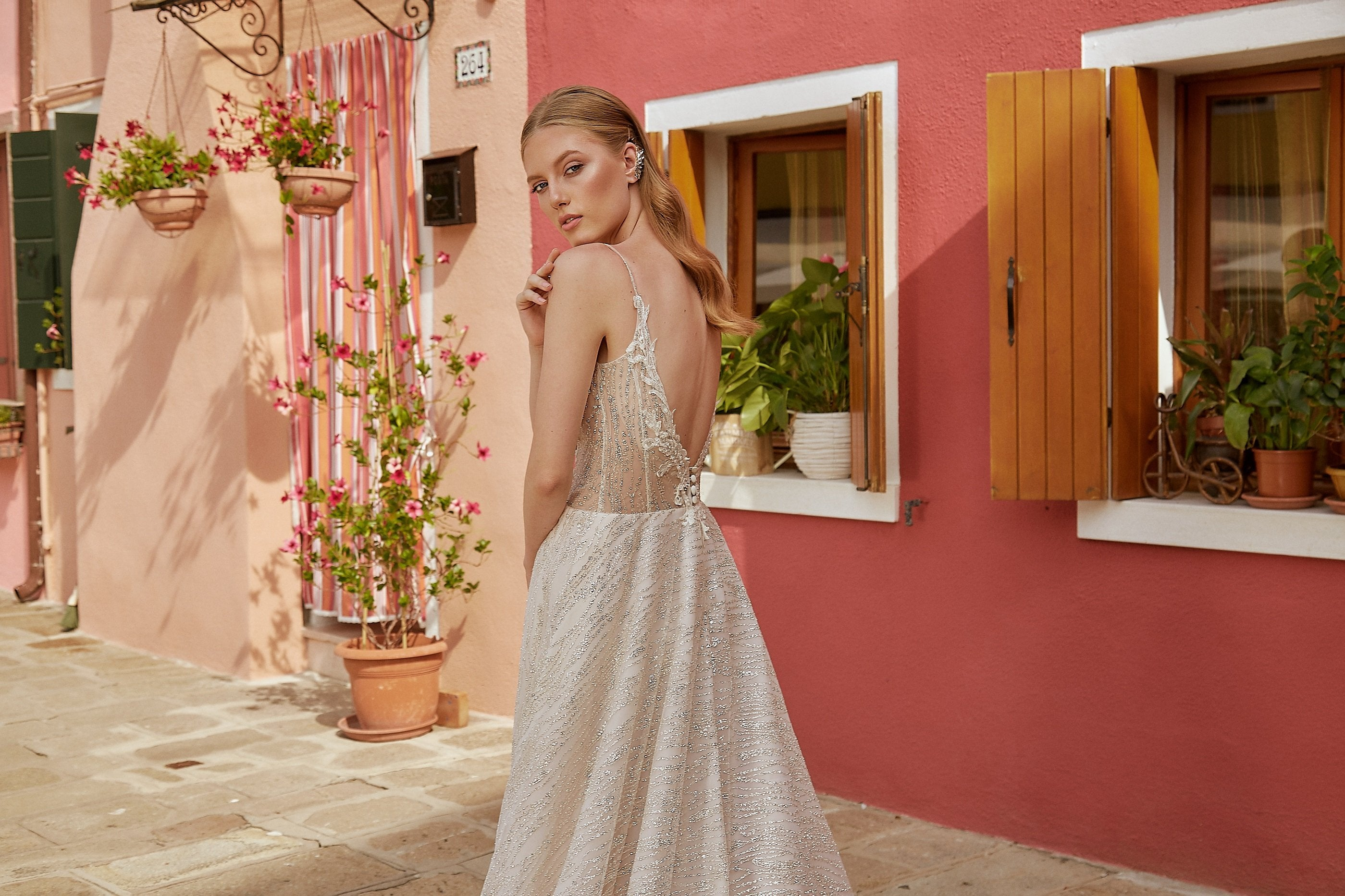 INES - SPARKLING A-LINE WEDDING DRESS WITH SWEETHEART NECKLINE