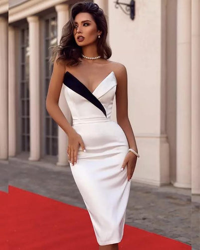 QUE STRAPLESS PLUNGE BANDAGE DRESS
