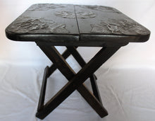 Load image into Gallery viewer, Foldable Ornamented Black Table