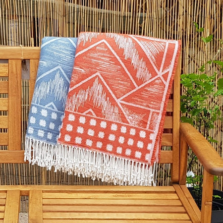 Nomad Geometric Throws