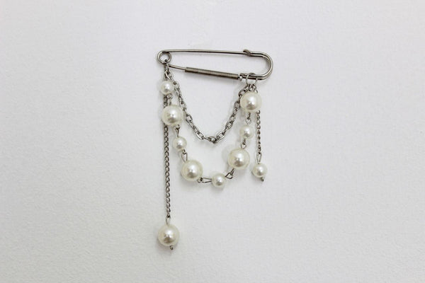 NEW WHITE FAUX PEARL RHINESTONE SILVER PIN CLIP FOR OPEN CARDIGAN DRESS BROOCH