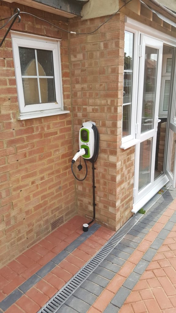 WallPod : EV charging unit | Type 2 Tethered | 16/32 Amp(3.6/7.2kW) | 5 Metre | IP65 |