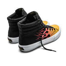 Charger l'image dans la galerie, SNEAKERS & SKATE SHOES | STRAYE VENICE - BLACK RED FLAMES
