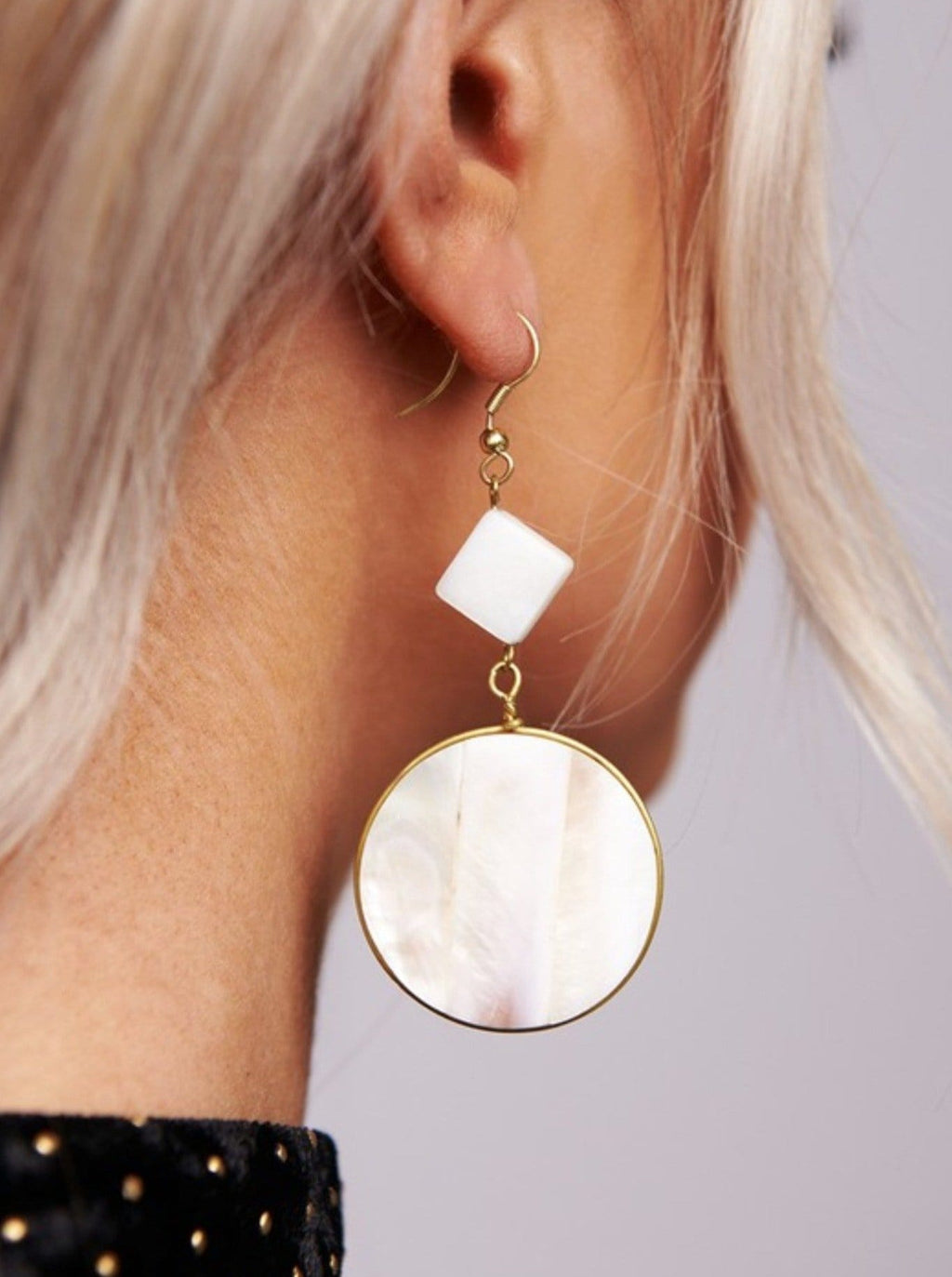 Radiant Seashell Earrings - bigcityboutique