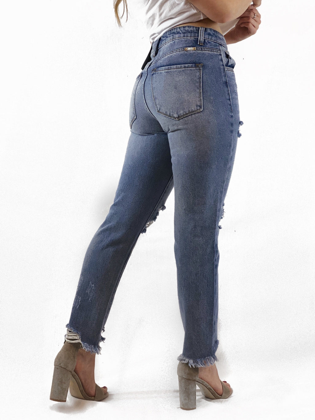 Light Wash Straight Leg Jeans - bigcityboutique
