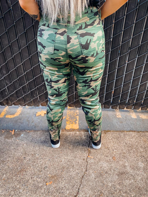 Hide & Seek Distressed Camo Jeans