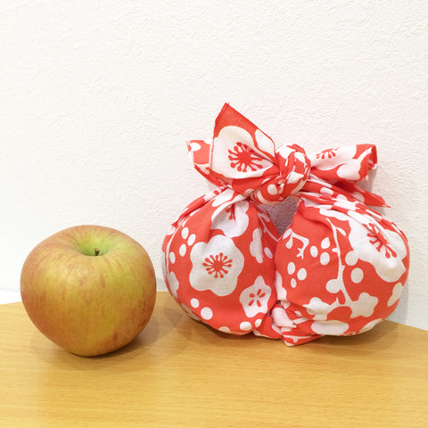 Wrapping fruits (or round objects)