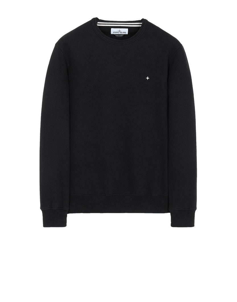 Crewneck sweatshirt in brushed cotton fleece. Garment-dyed. Ribbed neckline. Embroidery of the Stone Island little star on the chest. Ribbed cuffs and bottom hem.