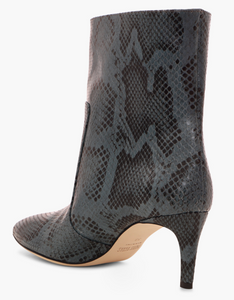 Paris Texas python printed leather mid heel ankle boots  Snake print leather above the ankle  Point form, medium heel  Heel height 60 mm  Made in Italy   100% Leather