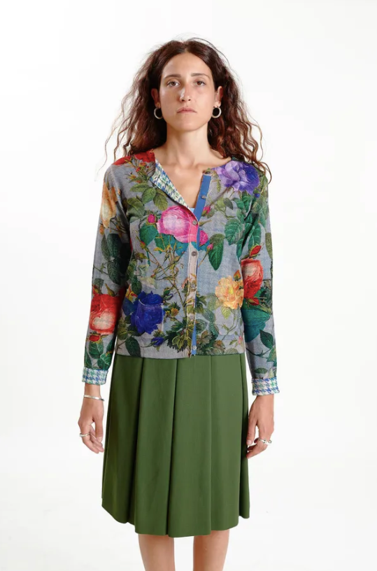 Color: Floral and geometric print  Composition: 100% Merino wool  Description: V neck cardigan with pockets, double side print, regular fit  Care: Hand wash
