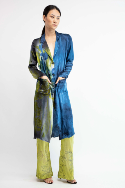 New camouflage silk duster with hand painted iris  Deep  Pre order now! Receive your order by May 15th, 2021 the latest.