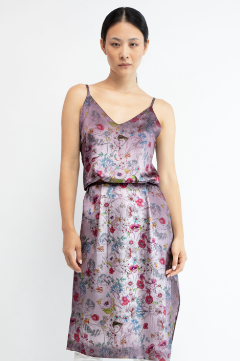 Flowered print silk dress with shadows   Gallnut  Pre order now! Receive your order by May 15th, 2021 the latest.