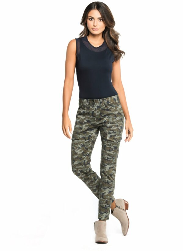 Timelessly sophisticated with a touch of modern edge, the Camo Karo Cargo Pant is the perfect addition to any woman's travel wardrobe. These jet-set ready women's cargo pants feature a slim fit with a tapered leg for a flattering and comfortable fit. Designed with Anatomie's signature wrinkle-free woven fabric with plenty of stylish cargo pockets for storage, these travel pants are perfect for taking on any upcoming adventure.