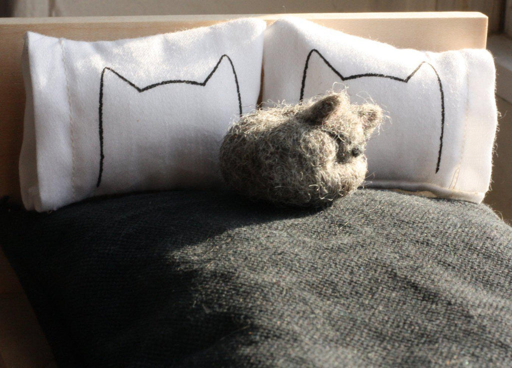 Miniature Dollhouse Cat Bed Pillows by Xenotees